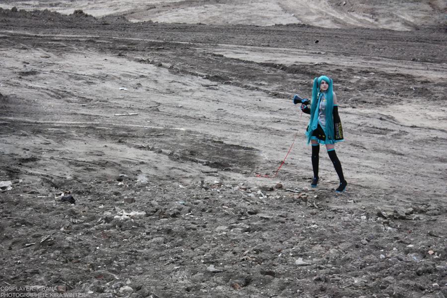 Miku Hatsune - Moonfall by kirawinter