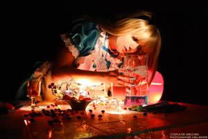 Alice in Wonderland - Drink me by kirawinter