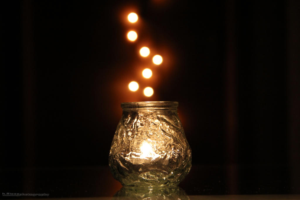 Plamen  svece - Page 2 Candlelight_by_h_riese-d4b9aom