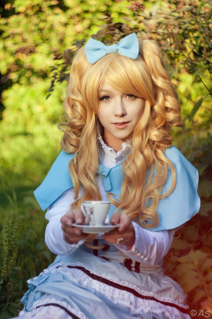 Alice by mercurygin