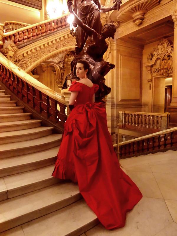 Tournure Rouge - Opera Garnier by Katikut