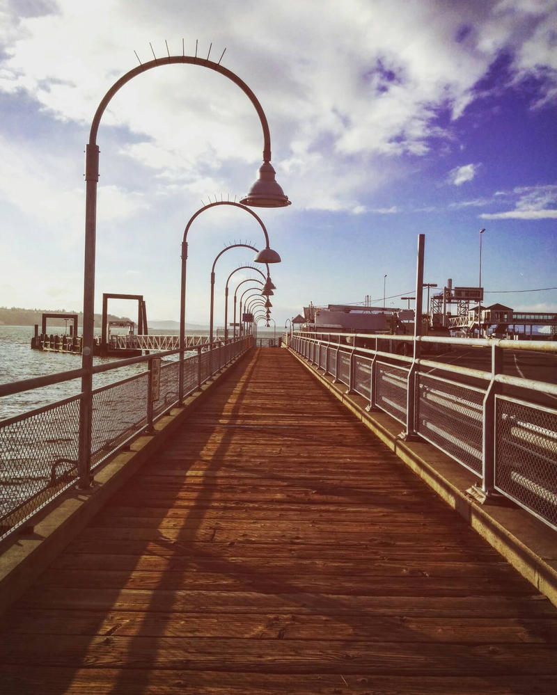That Sunny Pier by SiNg0d
