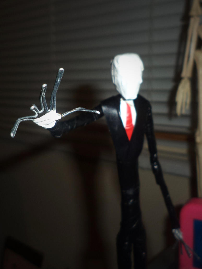 SLENDERMAN in wire by TheWallProducciones
