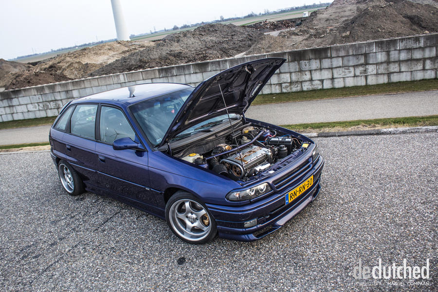 declutched - Roan's Astra GSi