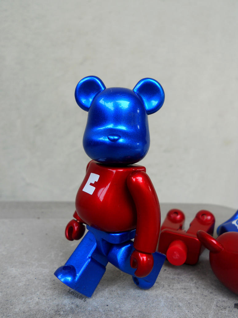 get busted for steal other bearbrick body by xavierlokollo