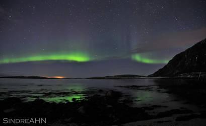 Auroras across Vestfjorden by SindreAHN