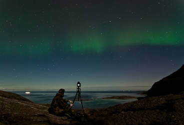 Waiting for the Aurora Show by SindreAHN