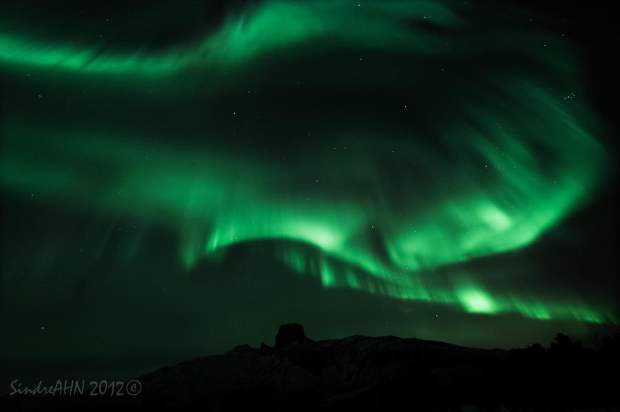 Vibrant Auroras above Steigtind by SindreAHN