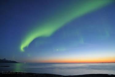 The April Aurora by SindreAHN
