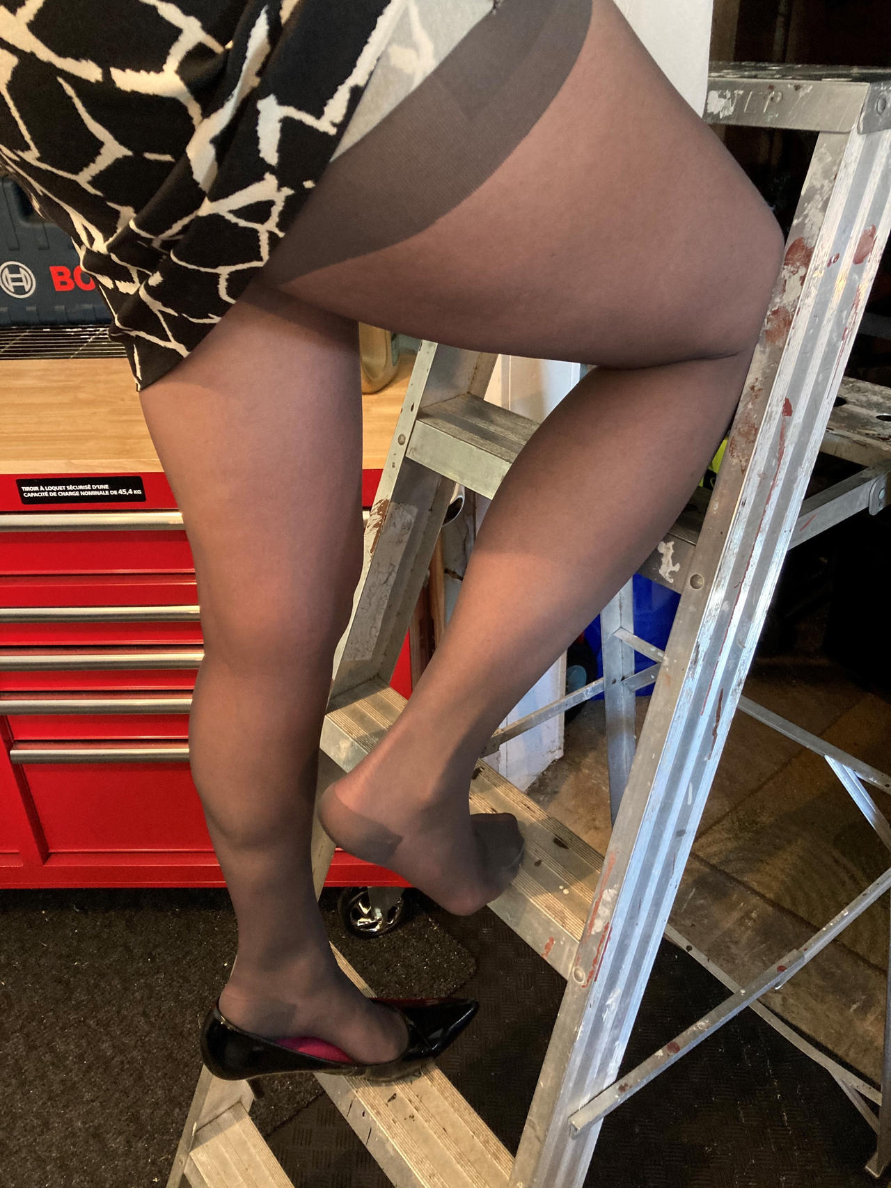 Pantyhose wife in LADIES AND