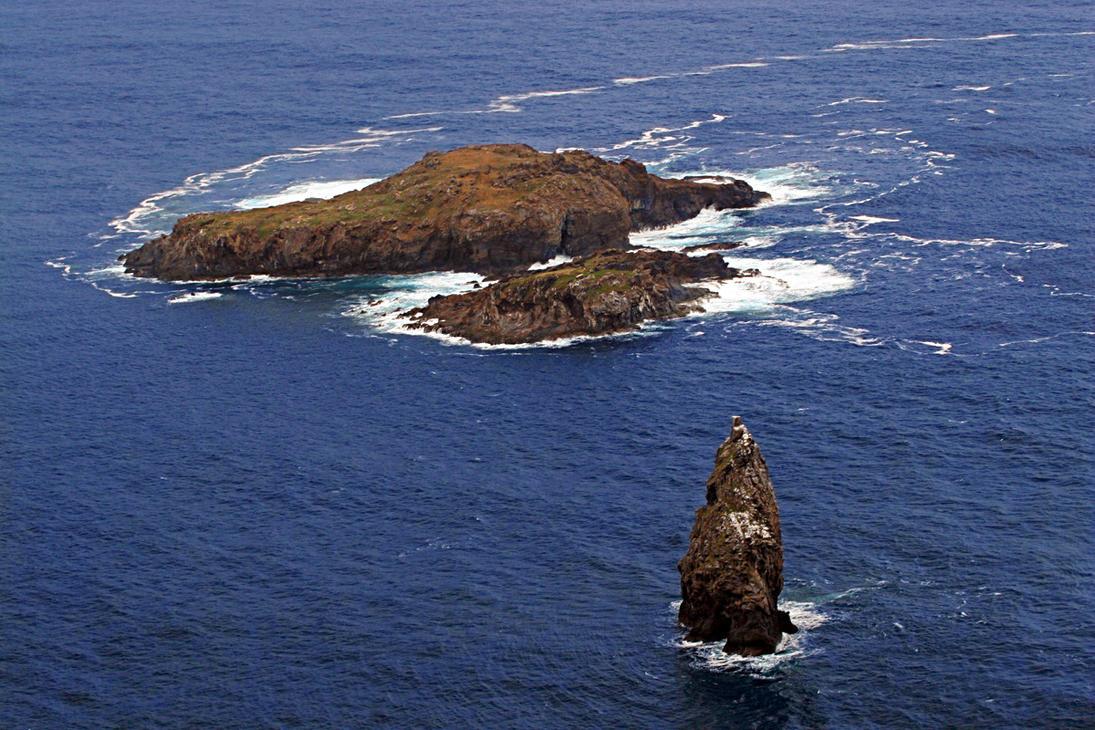 Easter Island: The Motu by Nestor2k