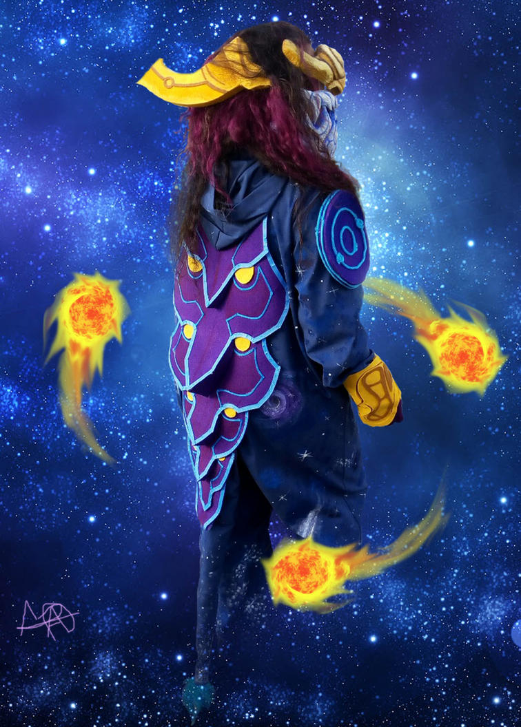 Aurelion Sol cosplay by TheMadnessLady