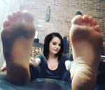 (WWE) Paige's Filthy Feet