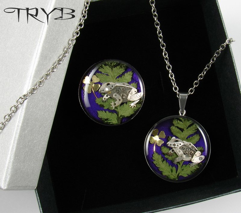 Frogs - necklace and ring (customers made order) by TRYBcomPL