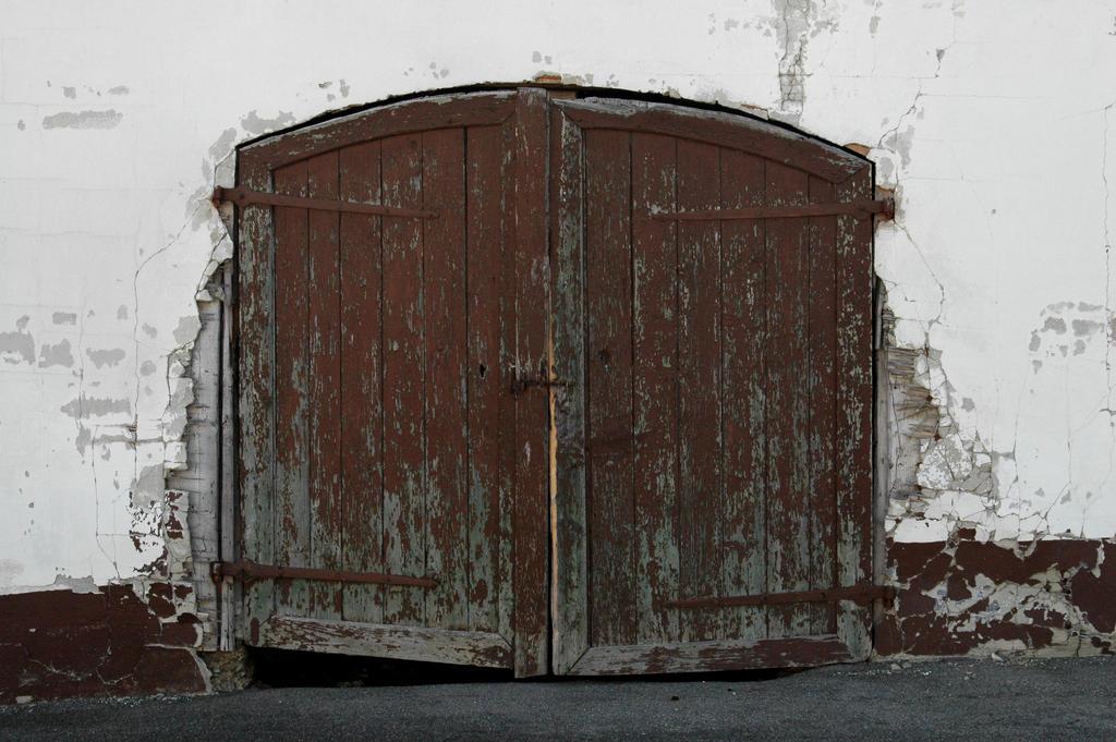Aged Doors, Rustic Doors, Old Barn Doors, Portal, Doors So Unique, Old ...