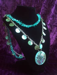 Teal Mother of Pearl Necklace