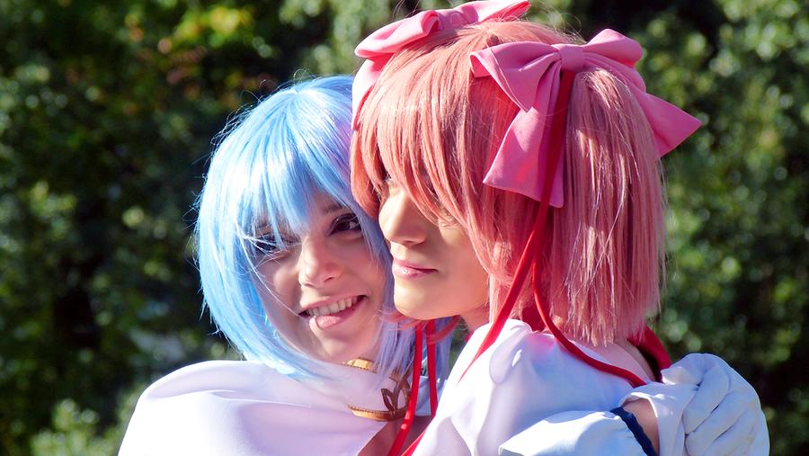 Sayaka and Madoka by Garnet90