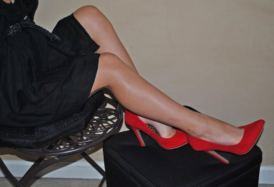 visoke potpetice... - Page 5 Feet_by_victoriacuje16-d4z0g4e