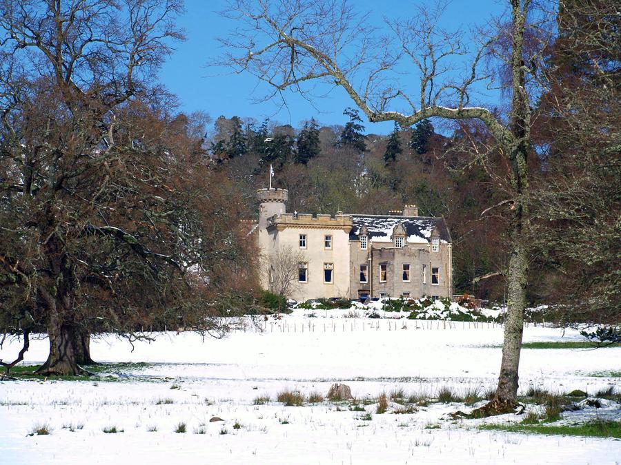 Tulloch Castle by piglet365