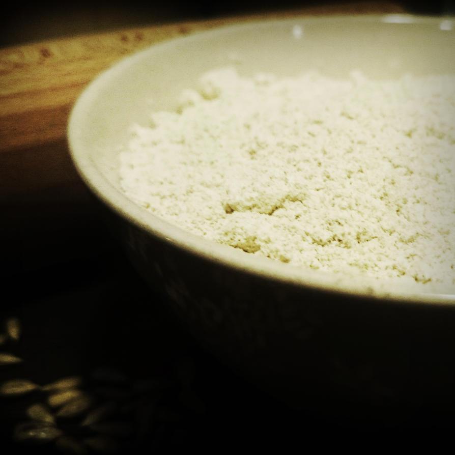Wholemeal flour by CookConcept
