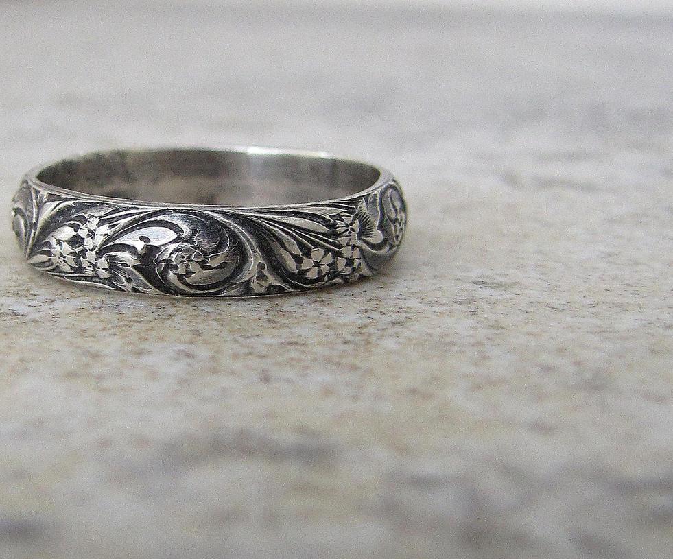 floral_antiqued_silver_ring_by_silversmack-d41dr0d.jpg