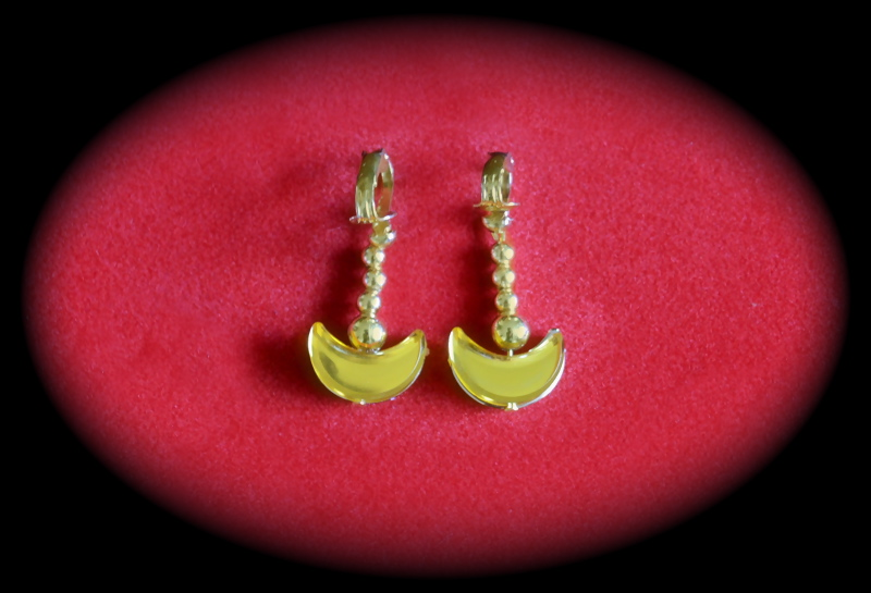 Sailor Moon earrings by Ferny-Cosplay