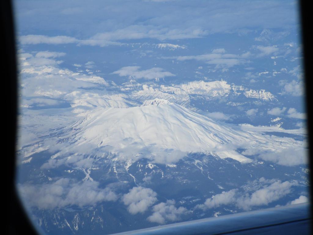 West side of Mt. Saint Helens (Vegas trip pic #12) by CDogOne