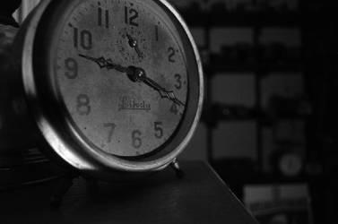 Tick tock by futon-revolutionist
