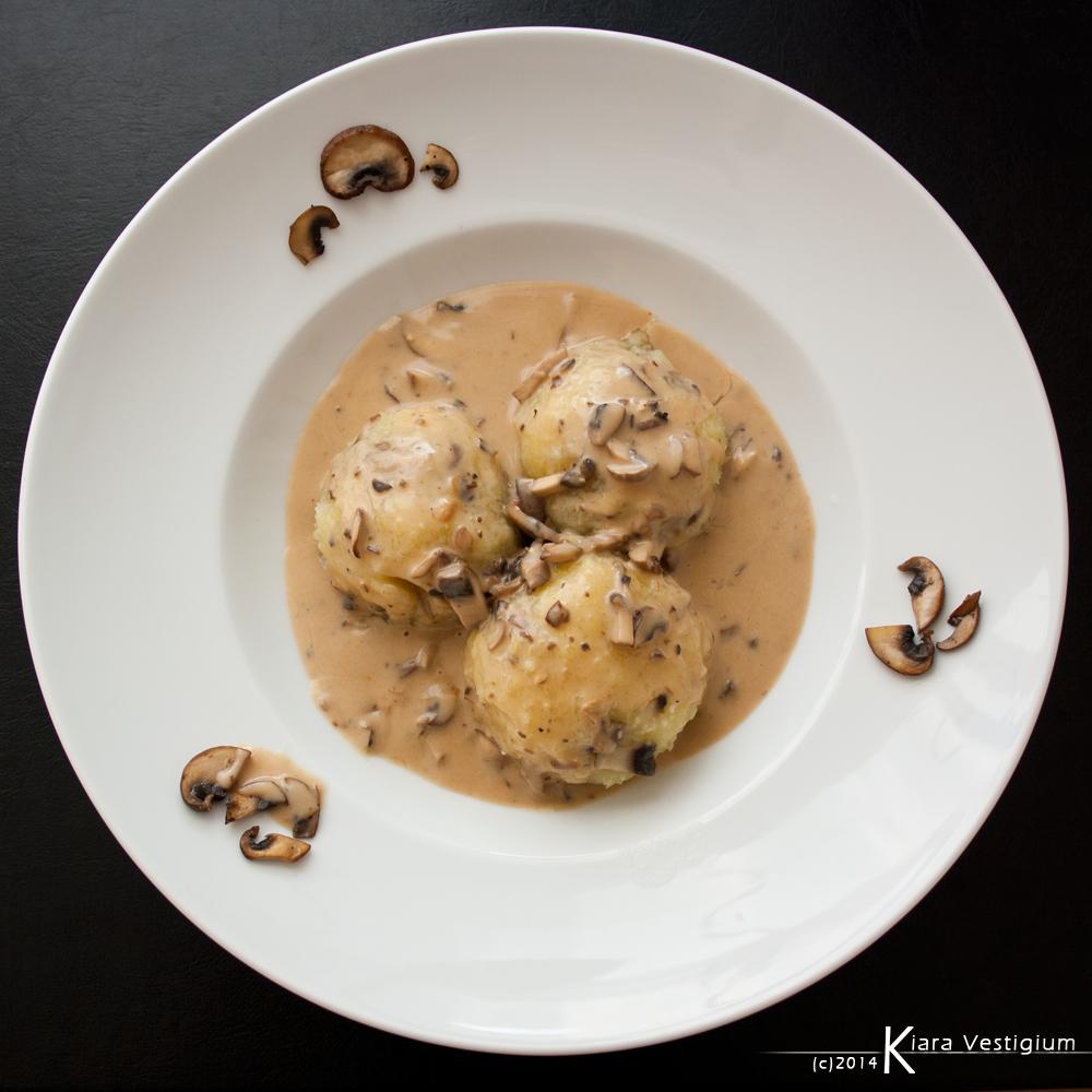 Champignon dumplings by Kiara-Vestigium