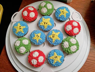 Mushroom and Stars cupcakes by darklizard14