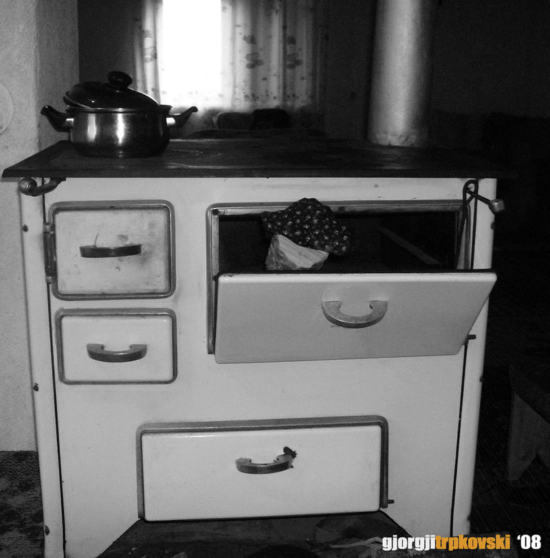 Old Kitchen Stove By Underdogmkd ...