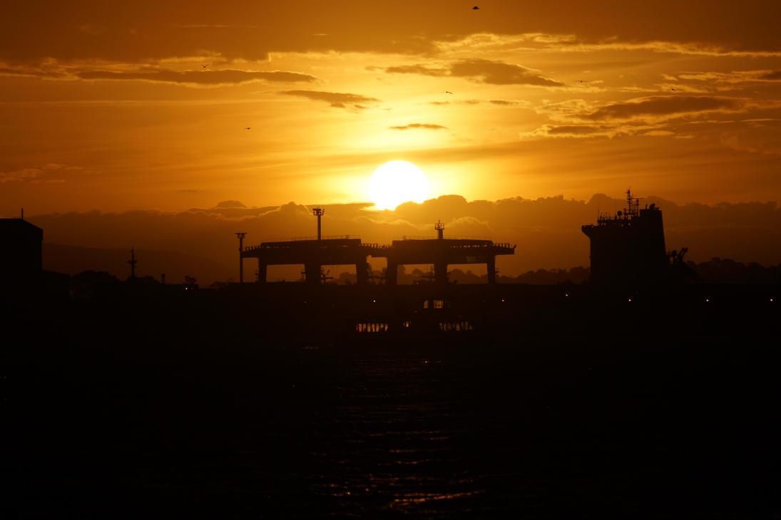 Industrial Sun Set by zisdabom