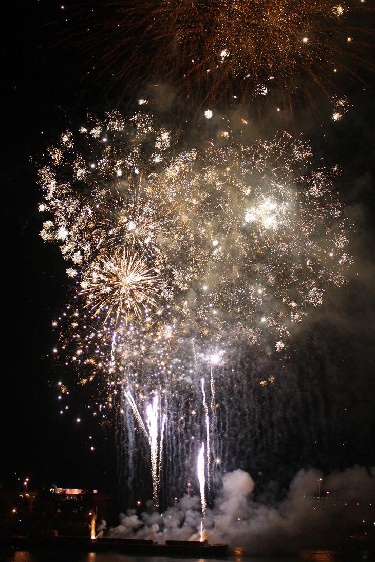 Rose Fest Fireworks by Thundercatt99
