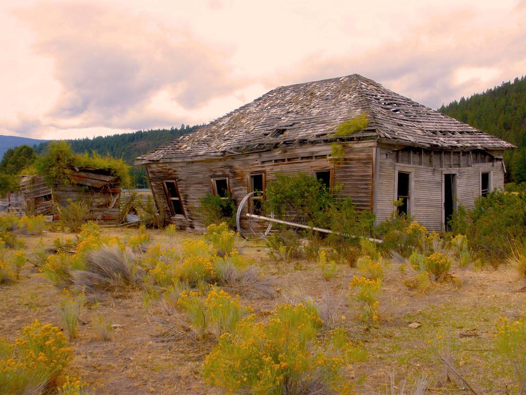 Old Schoolhouse by Thundercatt99