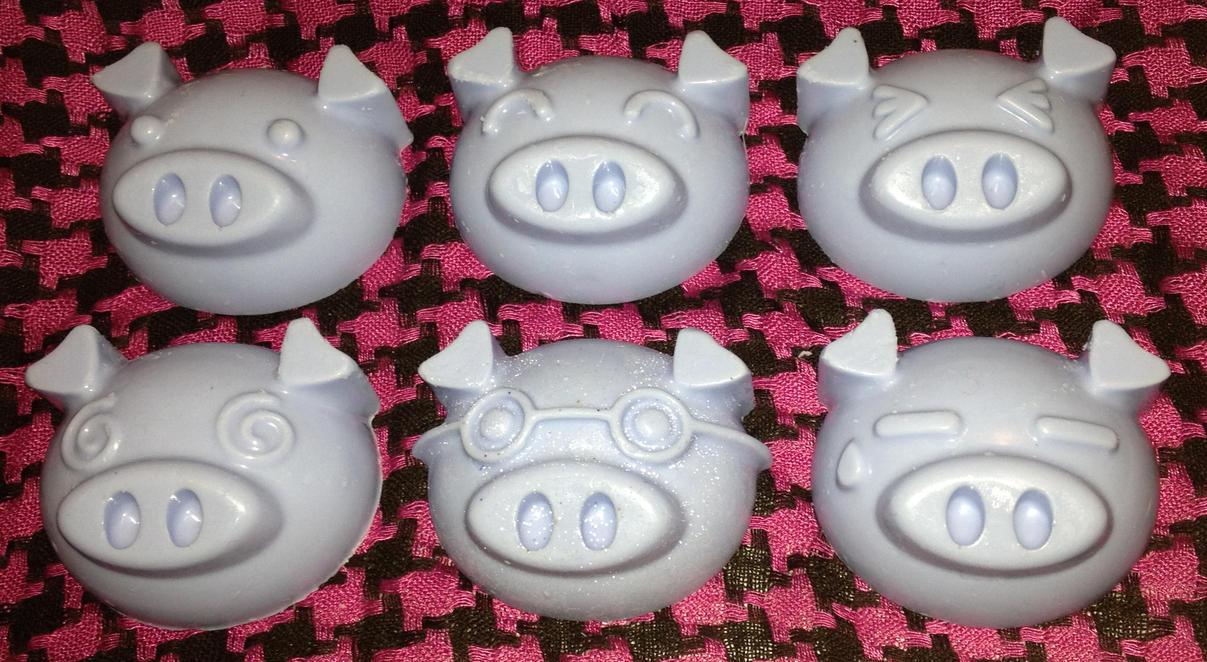 This Little Piggie... by Ryuus-Wardrobe