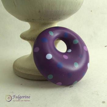 Purple polka-dot pendant