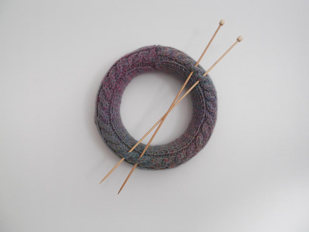 Knitters Wreath by Vampyratekitty