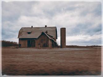 Old Barn Roadside by KBeezie