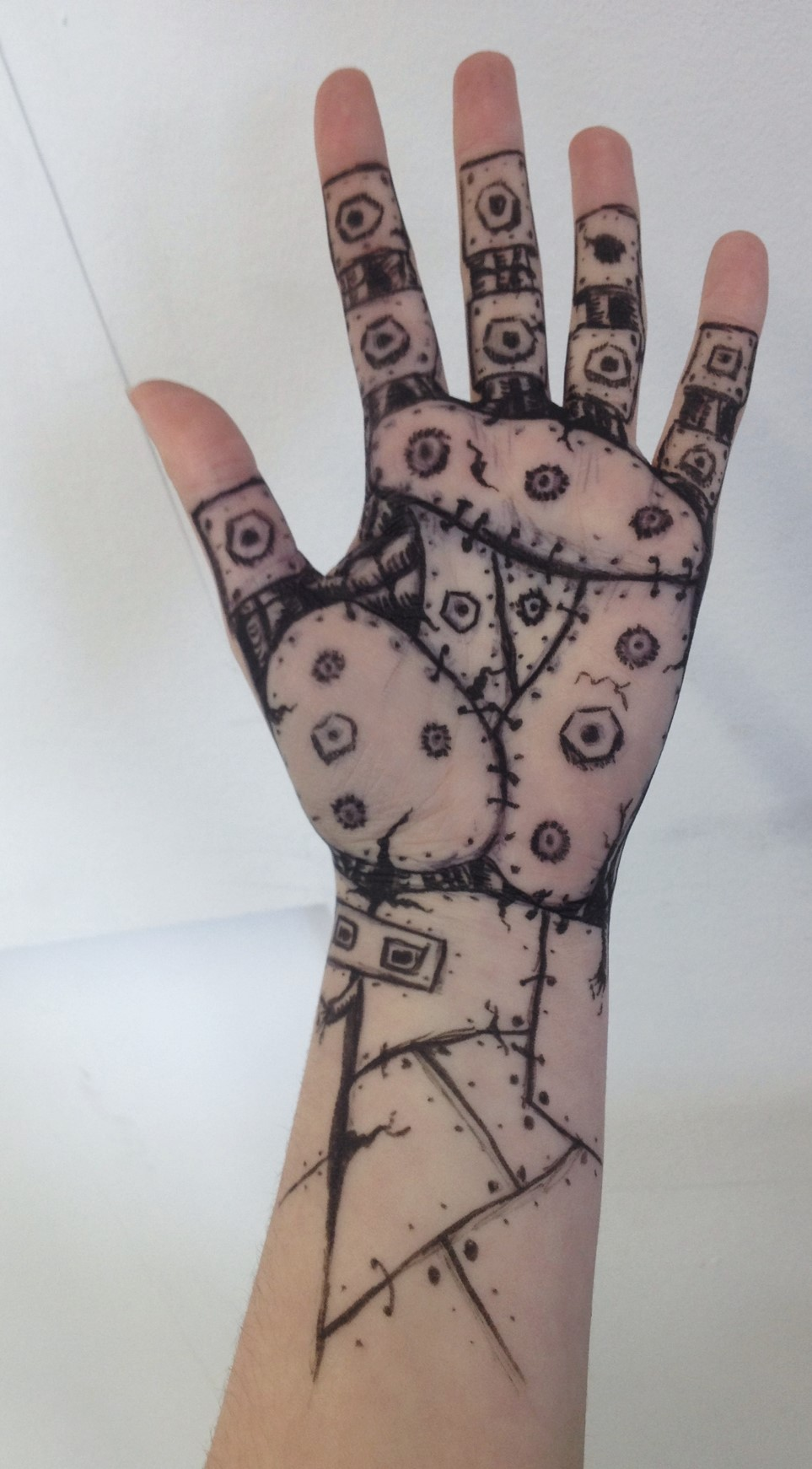Robot hand by Helliatrix on DeviantArt