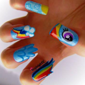 My Little Pony: Friendship is Magic - Rainbow Dash by KayleighOC