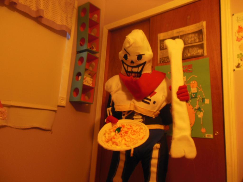 Papyrus cosplay (wearing) by kirbykitkat