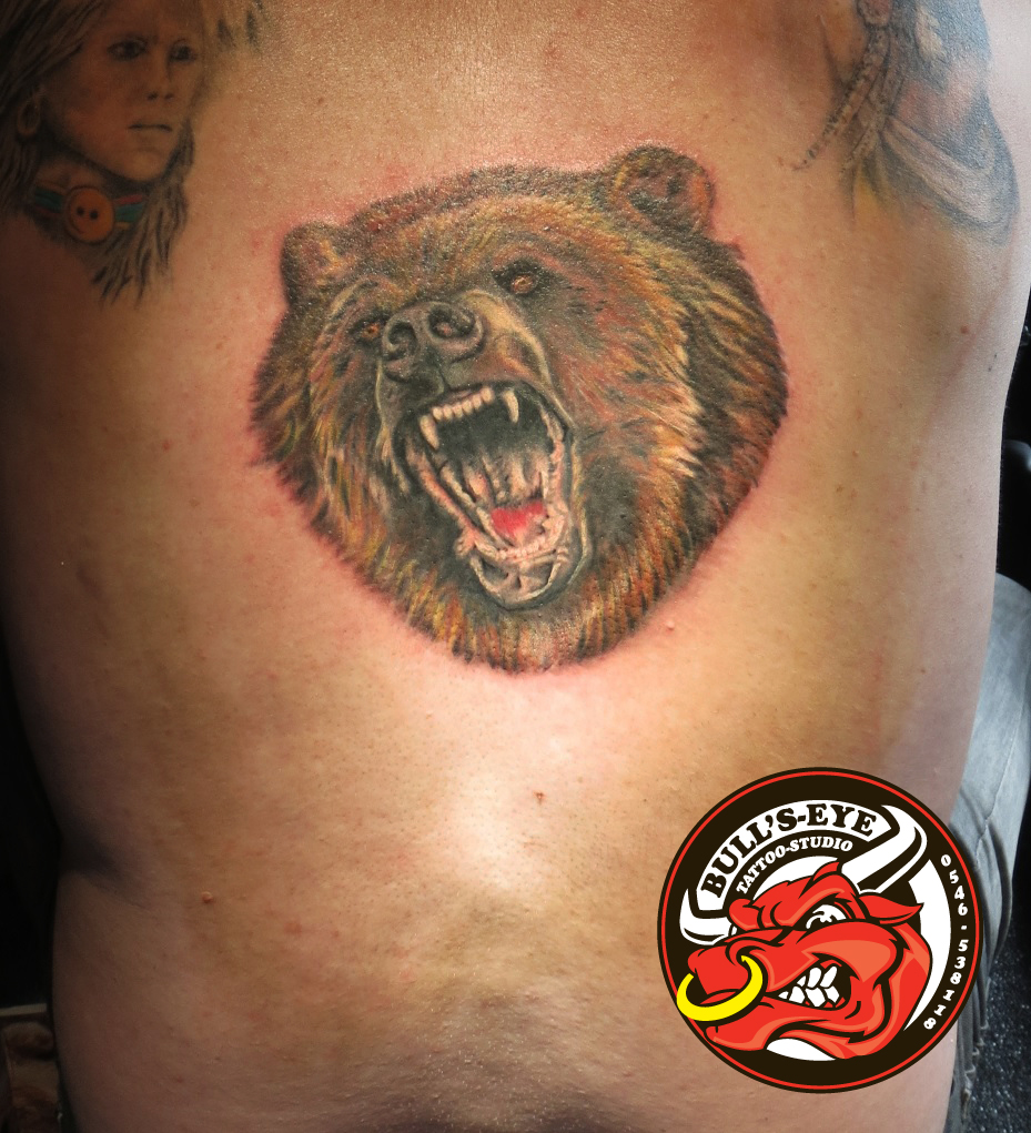 Full colour bear head tattoo by dirkdriekusbullseye on for Full head tattoo