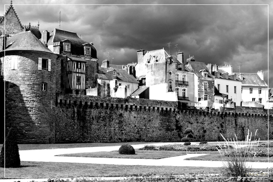 Rempart of Vannes by 0-Photocyte