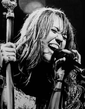 Miley Cyrus - Rockin' Out