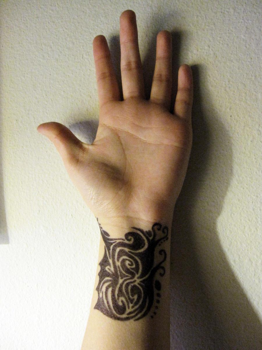 wraparound tattoo wrist by kristollini on deviantart. Black Bedroom Furniture Sets. Home Design Ideas