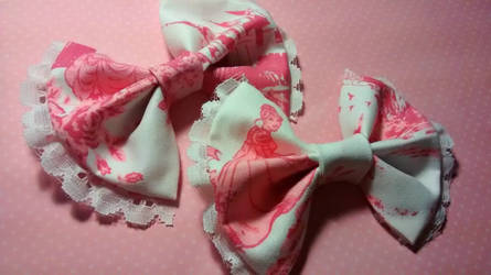 Pink Disney princess bows