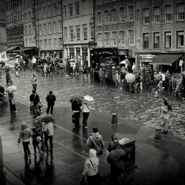 Edinburgh streets by lostknightkg