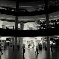 Dubai Mall by lostknightkg