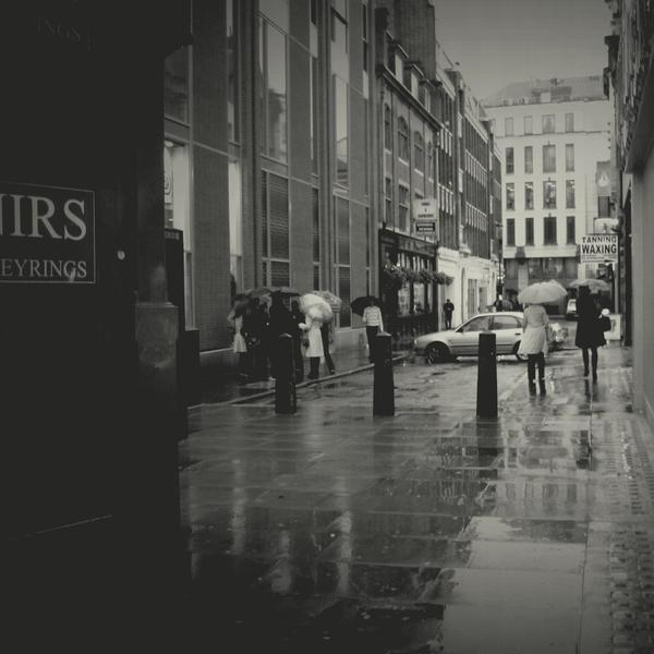 Quiet alley by lostknightkg