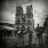 Notre Dame by lostknightkg